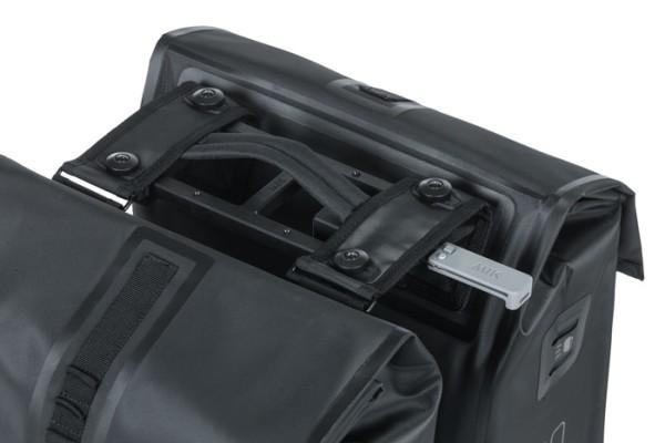 Basil Urban Dry Doppeltasche MIK 50 Liter schwarz